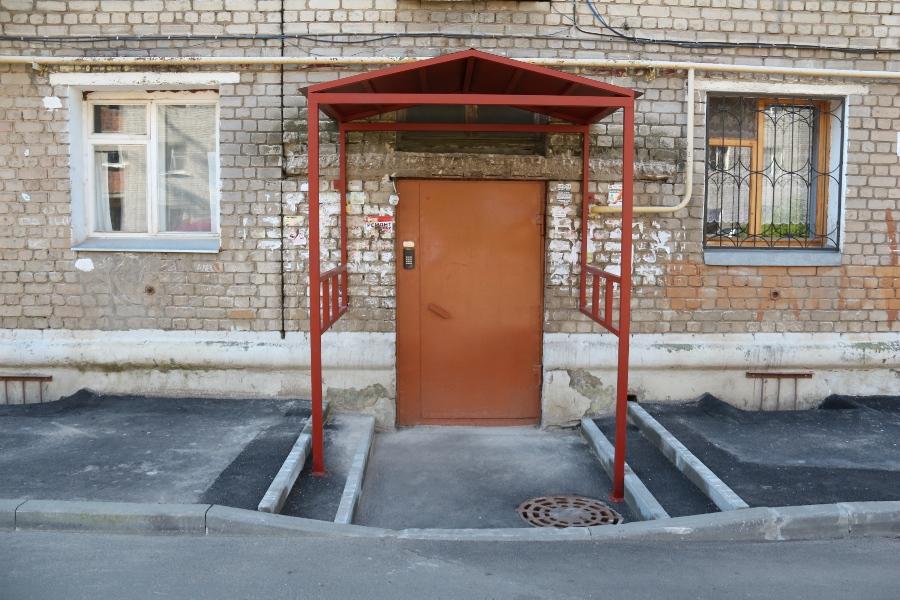 Во дворе на Куйбышева, 66 провели работу над ошибками