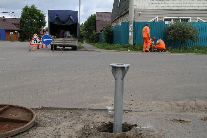 В Рыбинске на опасном перекрестке монтируют светофор