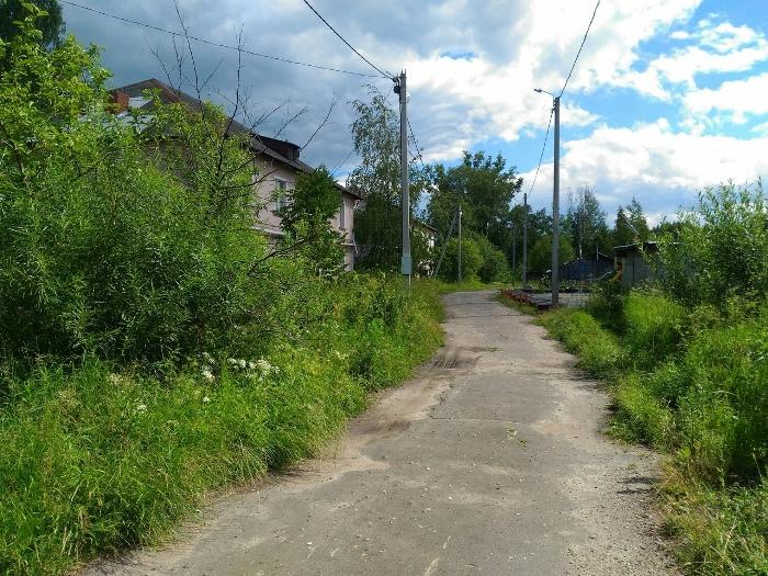 В Рыбинске на улице Восточной монтируют линию освещения