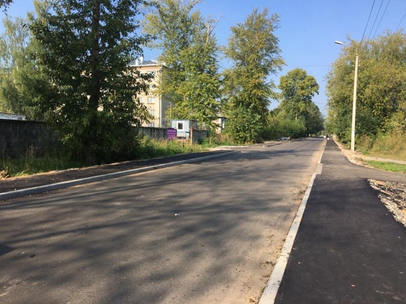 В Рыбинске завершают ремонт дороги на улице Инженерной