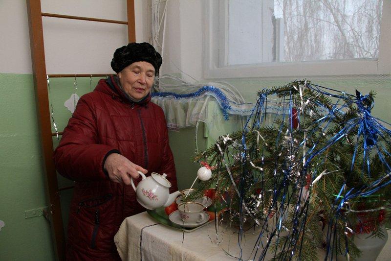 Рыбинцы к Новому году украсили подъезды своих домов