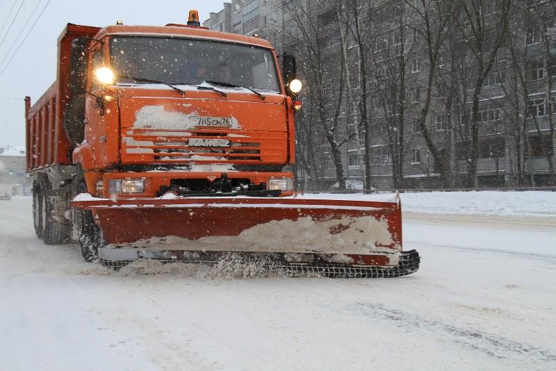 Борьба со снегом ведётся в круглосуточном режиме