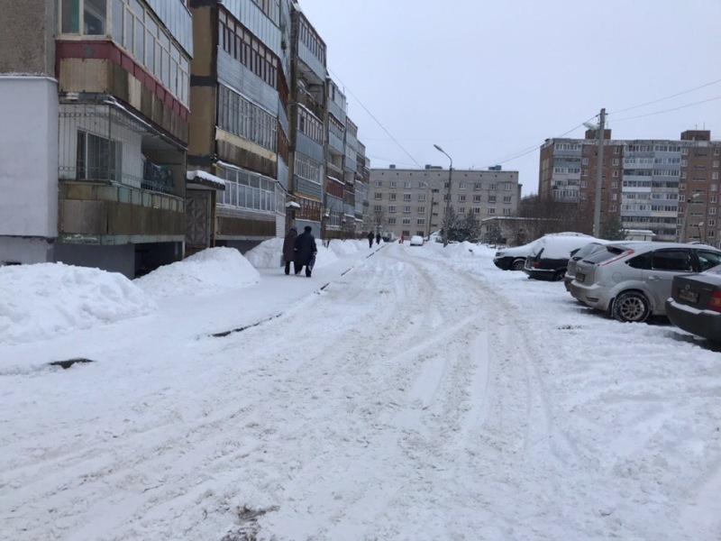 Алексей Рябченков: «Управляющим компаниям нужно пересмотреть график уборки дворов»
