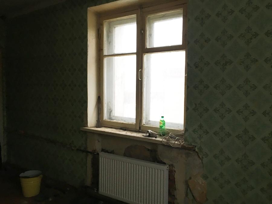 В Рыбинске должника лишили квартиры В Рыбинске еще один должник за жилищно-коммунальные услуги лишился благоустроенной квартиры. Решением суда с ним расторгнут договор социального найма за проживание в 1-комнатной квартире. Бывший наниматель уже освободил помещение.  Молодой мужчина 1992 года рождения не платил за квартиру более трех лет, за социальный найм плата не вносилась более пяти лет. Сумма накопленной задолженности за коммунальные и жилищные услуги составила около 200 тыс. рублей.</body></html>