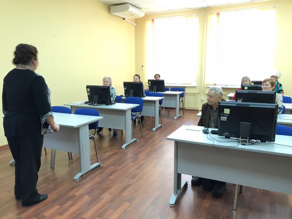 В Рыбинске открылись курсы компьютерной грамотности для пенсионеров