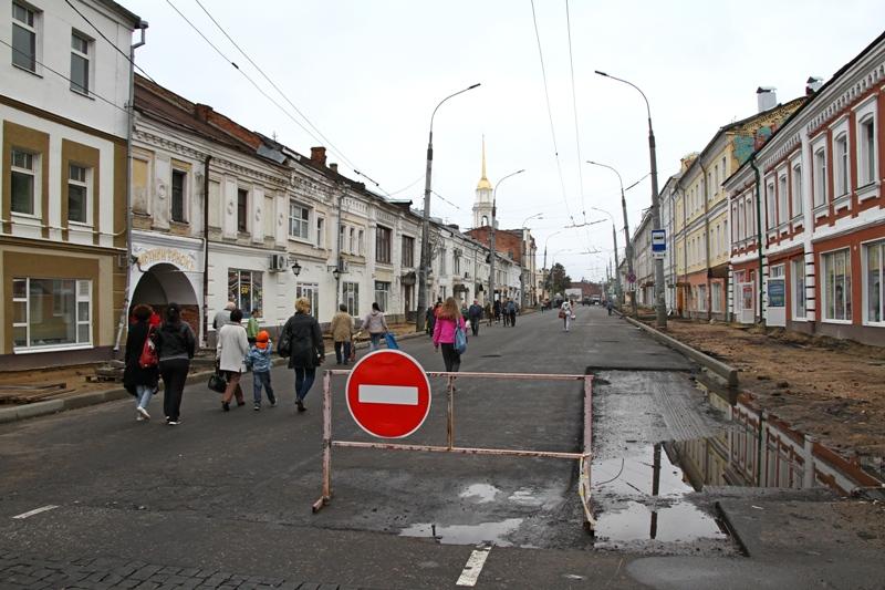 Новый этап в ремонте улицы Крестовой – монтаж опор освещения