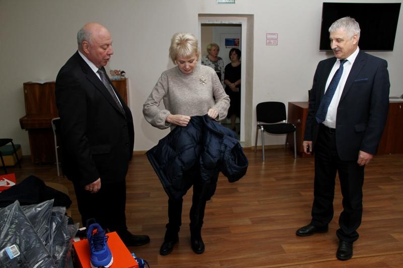 Воспитанники Рыбинского детского дома получили подарки от хоккеиста Овечкина